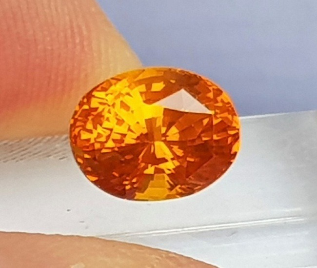 Padparadscha-Orange Sapphire Ceylon